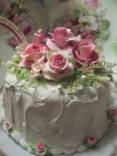 """I like this charming pink rose cake"" Gorgeous Cakes, Pretty Cakes, Cute Cakes, Amazing Cakes, Beautiful Desserts, Pink Rose Cake, Pink Roses, Pink Flowers, Fake Cake"