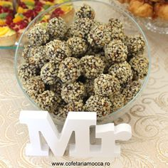 Almond chocolate balls for candy bar table Almond Chocolate, Mocca, Balls, Goodies, Candy, Breakfast, Sweet, Food, Sweet Like Candy