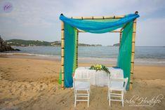 El hermoso Gazebo con 2 colores que los novios eligieron para su boda. Bodas Huatulco.