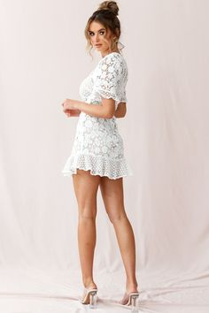 Lace Wedding Dress Long Sleeve Lace Wedding Dress Modest Wedding Dresses Lace Dress Styles For Wedding Young Bridesmaid Dresses – geekiio White Lace Dress Short, Red And White Dress, White Boho Dress, White Halter Dress, Dress Red, Girls Party Dress, Sexy Party Dress, Sexy Dresses, Girls Dresses