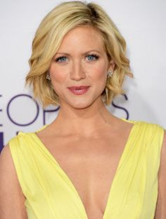 Brittany Snow's wavy bob haircut looks super-cute at the People's Choice Awards