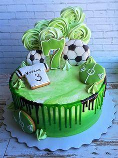 Birthday cake for dad buttercream icing 53 trendy Ideas - Geburtstag Gennaro - Football Birthday Cake, Soccer Birthday Parties, Dad Birthday Cakes, Birthday Cupcakes, Soccer Party, Wedding Cakes With Cupcakes, Cupcake Cakes, Icing Cupcakes, Pear And Chocolate Cake