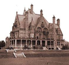 Craigdarroch Castle in Victoria, British Columbia, is a historic, Victorian-era Scottish Baronial mansion. The mansion was designated a National Historic Site of Canada due to its landmark status in Victoria. Wikipedia #ILoveCanada