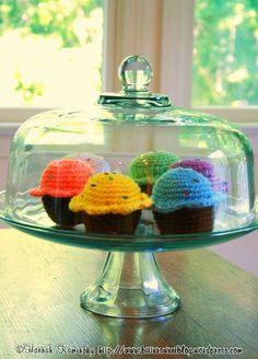 Вязалкино: Вязаное пирожное крючком