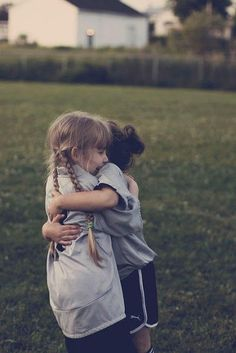 hugs make friendship twice as sweet. and those hugs become oh so special especially when the friend lives hundreds of miles away. Bff Quotes, Best Friend Quotes, Friendship Quotes, Qoutes, Best Friend Hug, Quotations, Genuine Friendship, Female Friendship, Girl Friendship