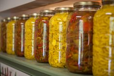 Peppers Pizza, Mason Jars, Stuffed Peppers, Vegetables, Food, Stuffed Pepper, Essen, Mason Jar, Vegetable Recipes