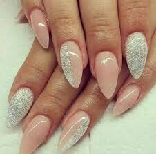 Image via Black & clear negative space elegant stiletto nail art - in the colour that goes with everything & seen at many catwalk shows.x Image via Cool Stiletto Nails Art Classy Nails, Fancy Nails, Cute Nails, Elegant Nails, Trendy Nails, Pointy Nails, Stiletto Nail Art, Acrylic Nails, Almond Nails Designs