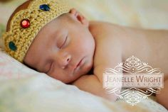 Thursday's Handmade Love Week 69 This weeks theme is...... Prince Includes links to #free #crochet patterns  Newborn His Majesty Crown crochet pattern via Etsy