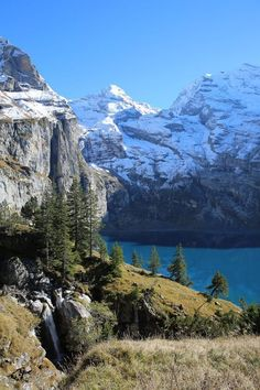 Beautiful mountain lake in the Swiss Alps in the Bernese Oberland. The canton of Bern offers mountains, lakes, forests, meadows and wonderful hikes. Beautiful mountain lake in Bernese Ob Deep Sleep Meditation, Meditation Music, Drawing Sunset, Lake Photography, Swiss Alps, Landscape Pictures, Mountain Landscape, Places To See, World