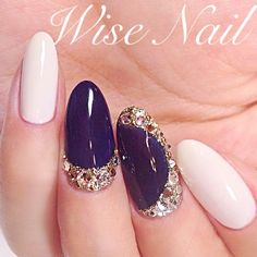 White and purple gel nails with some nice applications - LadyStyle in 2019 Gorgeous Nails, Love Nails, Pretty Nails, Purple Gel Nails, White Nails, Black Nails, French Nails, Nail Polish Designs, Nail Art Designs