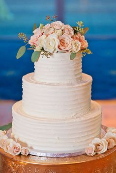 buttercream wedding cake 5