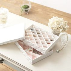 Caja para joyas o maquillaje