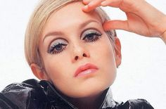The latest tips and news on twiggy are on JayMarie. On JayMarie you will find everything you need on twiggy. Mod Makeup, Twiggy Makeup, Retro Makeup, Makeup Inspo, Makeup Inspiration, Beauty Makeup, Hair Makeup, Makeup Eyes, Sixties Makeup