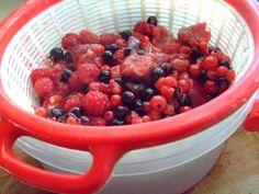 Budinca de vara (cu fructe de padure) Fruit Salad, Food, Fruit Salads, Essen, Meals, Yemek, Eten
