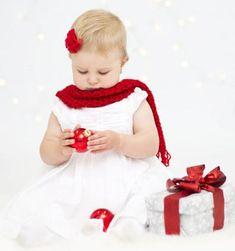 Vianoce sú najmä o detskej radosti. Girls Dresses, Flower Girl Dresses, Wedding Dresses, Fashion, Dresses Of Girls, Bride Dresses, Moda, Bridal Gowns, Fashion Styles