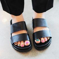 Sandali delle donne 2015 estate nuovi europei e americani grande cava fibbia fondo pesante pantofole coreano sandali piani scarpe da donna(China (Mainland))