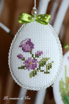 Small Cross Stitch, Cute Cross Stitch, Cross Stitch Flowers, Cross Stitch Designs, Cross Stitch Patterns, Crochet Patterns, Cross Stitching, Cross Stitch Embroidery, Hand Embroidery