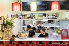The ultimate Bangkok Food Guide with a list of the best places to eat delicious Thai Food in Bangkok! Bangkok Restaurant, Best Thai Food, Mixed Berries, Best Places To Eat, Thai Recipes, Eating Well, Street Food, The Good Place