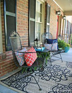 https://i.pinimg.com/236x/e4/81/21/e48121f9d4b6c052876cd5188943e50e--diy-porch-porch-ideas.jpg