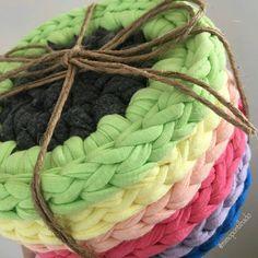 @Regrann from @mimopontilhado - Ótima opção de presente , informações direto no IG da artesã @mimopontilhado😉 ➰Olhem esse jogo porta copo nessas cores lindas. Esse foi uma encomenda para presente. Não é um presente fofo mesmo?➰Jogo com 6 peças 55,00 #mimopontilhado #fiodemalha #croche #artesanato #feitoamão #valorizequemfaz #feitocomamor #trapilho #trapilho #knit #handmad - #regrann