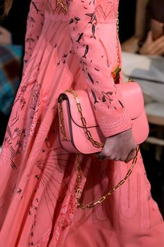 Valentino at Paris Fashion Week Spring 2017 - Details Runway Photos