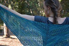 Hira Shawl - A simple yet stylish lace shawl, with a triangular shape | Chameli Design