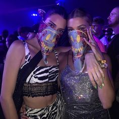 Justin Bieber shares photo of Mrs. Hailey Baldwin and Kendall Jenner, the Drew Bandanas at Co . - Justin Bieber shares photo of Ms. Hailey Baldwin and Kendall Jenner, who model Drew Bandanas at Coa - Kendall Jenner Estilo, Kendall Jenner Photos, Kendall Jenner Outfits, Kendall Jenner Coachella, Kendall Jenner House, Kendall Jenner Tumblr, Kendall Jenner Instagram, Kendalll Jenner, Kardashian Jenner