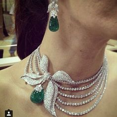 diamond necklace from @farahkhanfinejewellery