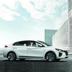 #국내 #최초 #친환경 #전용차 #아이오닉 이 #출시 되었습니다!  #Hyudai_motor launched #IONIQ #Hybrid with credentials in #South #Korea for the #first #time!  #eco_friendly #motor #launching #releasing #new #car #world_class #drive #daily #현차 #하이브리드 #차추천 #자동차그램 #신차