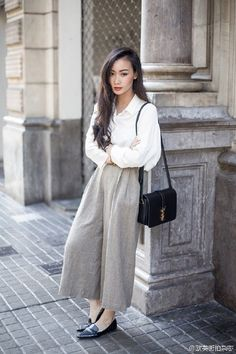 #fentyeezy #wide #legged #pants #pants- #outfit #jeans #jeans- #outfit #trousers Wide-legged pants is many women used to reveal the temperament, because of its wide and clever cover the leg meat meat, even slender legs not good-looking can also be modified.