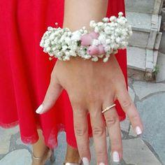 Flower bracelet #bridesmaid #wedding Flower Headpiece, Flower Bracelet, Bridesmaid, Crown, Bracelets, Flowers, Wedding, Jewelry, Fashion