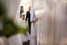 Heiraten inmitten der Bäume in der Nähe von Graz. Standesamtlich oder zeremoniell. Im kleinsten Kreis oder mit all euren Liebsten. Sag ja! Sag Ja, Wedding Inspiration, Wedding Dresses, Graz, Getting Married, Bride Dresses, Bridal Wedding Dresses, Weeding Dresses, Weding Dresses