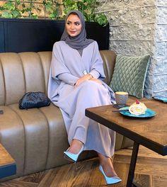 classy outfits plus size Modest Fashion Hijab, Modern Hijab Fashion, Hijab Fashion Inspiration, Abaya Fashion, Muslim Fashion, Fashion Outfits, Modest Wear, Modest Outfits, Estilo Abaya