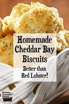Red Lobster Biscuits, Cheddar Bay Biscuits, Red Lobster Cheddar Bay Biscuit Recipe, Cheese Biscuits, Biscuits From Scratch, Great Recipes, Favorite Recipes, Dinner Recipes, Homemade Biscuits
