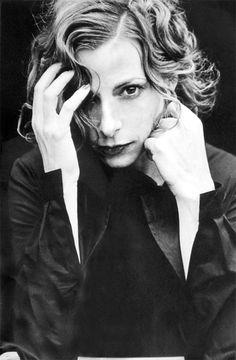 Great looking shot of Mylene. Peter Lindbergh - 1999. Peter Lindbergh - Mylene Farmer - Коллекция фотографий