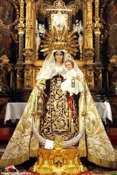 Virgen del Carmen en su procesión extraordinaria de regreso al Buen Suceso.
