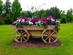Superieur Old Wagon With Flowers   Flowers On Wheelbarrow U0026 Bike   Pinterest   Flowers,  Gardens And Garden Ideas