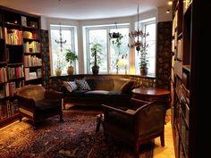 Drömmen om ett murrigt bibliotek, har inte alla en sådan? Från mintgrönt och heltäckningsmatta till engelskt mönstrat och platsbyggda bokhyl...
