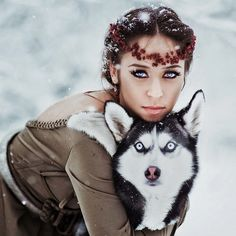 Beautiful girl with Husky dog Animal Pictures, Cool Pictures, Wolves And Women, Amor Animal, Wolf Love, Dog Photos, Spirit Animal, Beautiful Creatures, Character Inspiration
