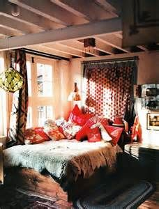 Bohemian style boho living room bohemian style bedroom interior home decor stores canada . bohemian style boho living room home decorations Gypsy Bedroom, Bohemian Style Bedrooms, Cozy Bedroom, Bedroom Decor, Bedroom Ideas, Master Bedroom, Bedroom Inspiration, Bedroom Bed, Funky Bedroom