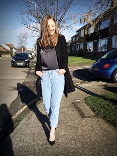 Boyfriend jeans issue – Roxanna Luca Boyfriend Jeans, Mom Jeans, Blog, Pants, Fashion, Trouser Pants, Moda, Fashion Styles, Blogging