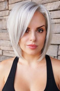 Angled Bob Hairstyles 2019 ideas for the girls having fine hairs are here! You should try these Angled Bob Hairstyles 20 Angled Bob Hairstyles, Side Bangs Hairstyles, Hairstyles With Bangs, Bob Hairstyles For Fine Hair With Fringe, Graduated Bob Haircuts, Trendy Hairstyles, Side Bangs Bob, Thick Side Bangs, Side Part Bangs