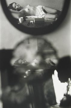 Saul Leiter   amazing   beautiful   fine art photography   nude   pose   muse   reflection   black and white   rest   relax   capture   moment   stunning