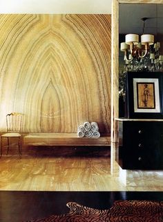 Leave it to Kelly Wearstler to take inspiration from nature and turn it into something chic and gorgeous. Interior by Kelly Wearstler. Kelly Wearstler, Stone Interior, Interior And Exterior, Beverly Hills Houses, Marble Wall, Marble Slabs, Onyx Marble, Amber Interiors, Design Moderne