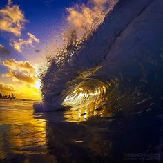 captured w/ by Robbie Crawford Arts Water Art, Stars At Night, Sea And Ocean, What A Wonderful World, Pretty Pictures, Pretty Pics, Ocean Waves, Science And Nature, Beautiful Beaches