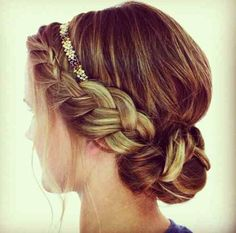 Love her Hair! the headband in the bun