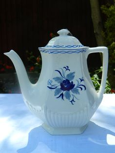 Large hexagonal Coffee pot and lid, Wedgewood Blue Rose with Black printed Adams mark. Dimensions: 23 cm high, 1.6 ltr / 9 ins high 2.75 pint, circa 1966, £25 + p&p