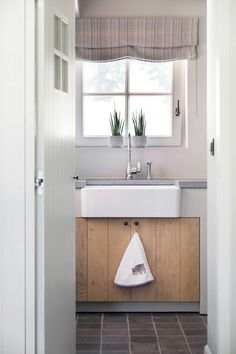 Huis in pastoriestijl nabij Sint-Niklaas - Wonen Landelijke Stijl Style Oriental, Double Vitrage, Mudroom, Alcove, Bathtub, Farmhouse, Bathroom, Home, Design