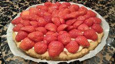 Aardbeien slof met banketbakkersroom Raspberry, Strawberry, Homemade, Fruit, Food, Strawberries, Home Made, Diy Crafts, Do It Yourself