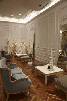 Esposizione presso Maison Signore, wedding party del 12 novembre a Palazzo Calabritto, Napoli. #antonioriva #weddingdress #madeinitaly